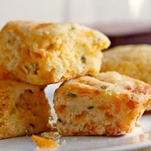Callies Charleston Biscuits Cheese And Chive