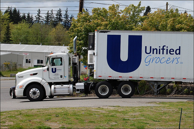 unified grrocers truck