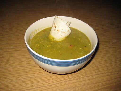 Pea-soup-with-tortilla