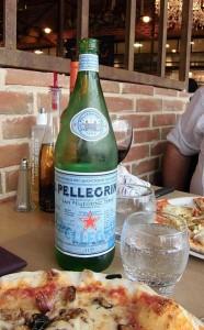 373px-Pizza_et_San_Pelligrino